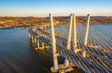 Printed kitchen splashbacks Bridges Aerial view of the New Tappan Zee Bridge, spanning Hudson River between Nyack and Tarrytown on late sunny afternoon