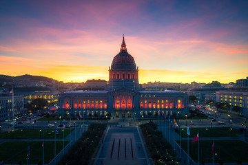 Fototapete - San Francisco City Hall at Sunset