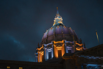 Fototapete - The Dome of the San Francisco City Hall at Night