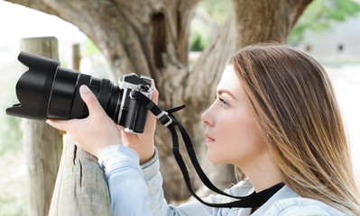 Young girl waiting to take picture