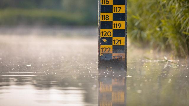 water level depth meter