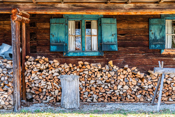 Holz vor der Hütte Wall mural