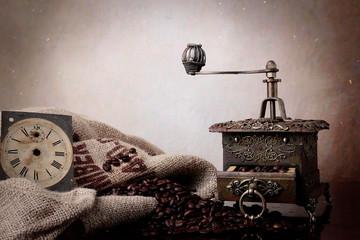 Caffè in chicchi e macinacaffè