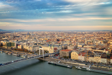 Wall Mural - Aerial view of Budapest with the Danube river, Hungary