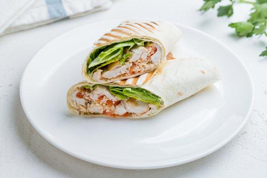 Caesar roll with chicken