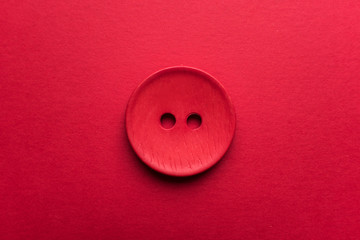 Photo sur Plexiglas Macarons Red button on red background
