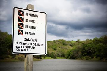 Danger sign at a pond.