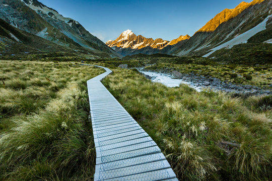 Mountain trail towards Mount Cook, Canterbury, New Zealand