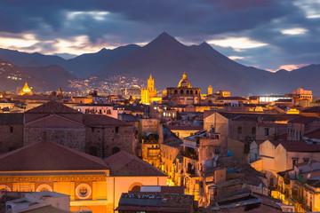La pose en embrasure Palerme Palermo at sunset, Sicily, Italy