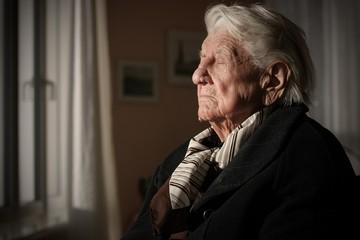 Rentnerin in einem Pflegeheim