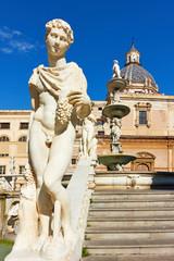 Wall Mural - Statue of man in The Praetorian Fountain