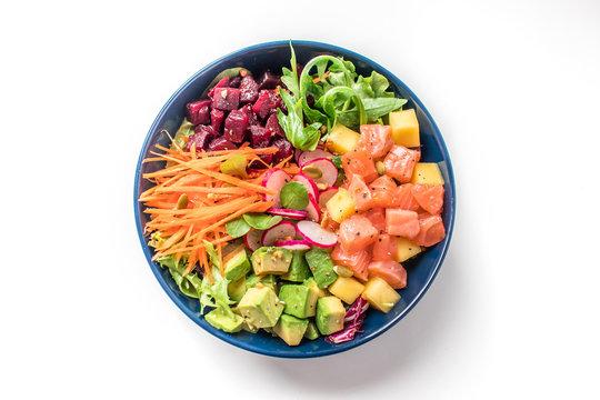 poke bowl salade on white background
