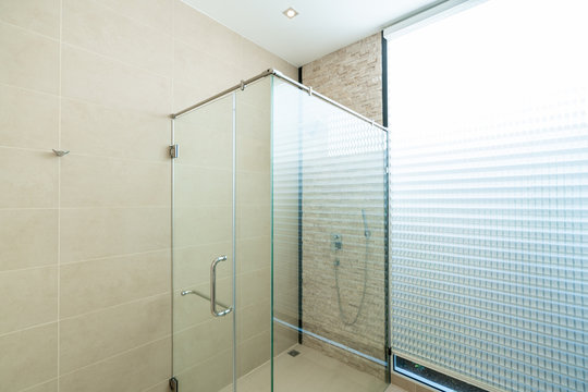 interior design Shower stalls in the bathroom