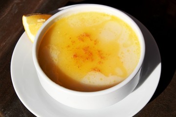 Kuttelsuppe mit Zitrone nach türkischem Rezept