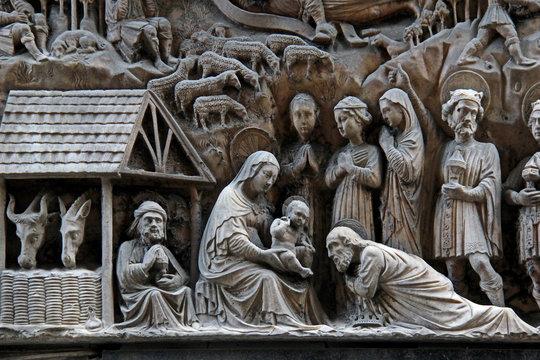 adorazione dei Magi (particolare); altorilievo in marmo di Elia e Giovanni Gagini, Genova