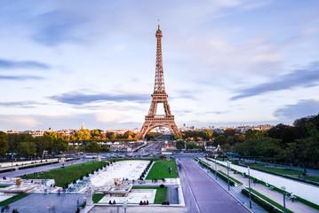 Wahrzeichen Eiffelturm Paris Frankreich im Herbst