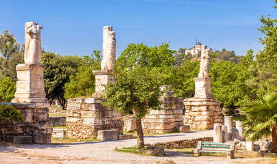 Fototapete - Panorama of the Ancient Agora, Athens, Greece. It is one of the main tourist attractions of Athens. Scenic view of the historical park in the Athens center. Old Greek ruins of the antique Athens city.