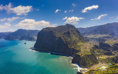 Fototapete - Beautiful mountain landscape of Madeira island, Portugal. Summer travel background. Panorama view.