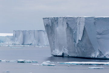 Tafeleisberg ,tabular iceberg