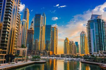 Modern residential architecture of Dubai Marina, UAE Fototapete