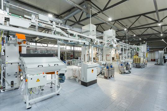 Conveyor cans, production line