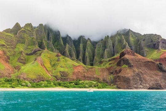 USA, Hawaii, Kauai, Na Pali Coast State Wilderness Park, Na Pali Coast, Kalalau Beach