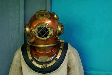 Diving suit and helmet