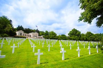 Fototapete - American cemetery near Paris WWII memorial, France
