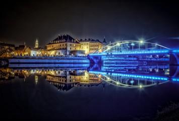 Fototapeta Opole w Polsce panorama miasta nocą obraz