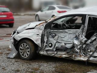Papiers peints Vintage voitures subcompact car after car crash