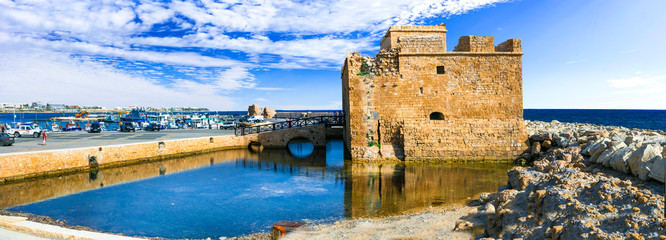 Keuken foto achterwand Cyprus Cyprus landmarks - castle in Paphos, popular tourist attraction
