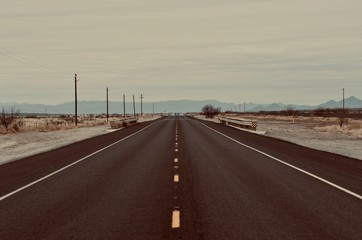 Fotorolgordijn Chocoladebruin Open Road in West Texas