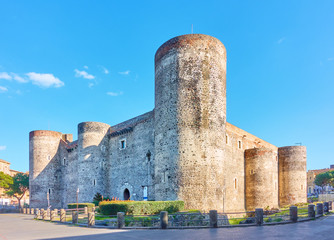 Wall Mural - Ursino Castle in Catania