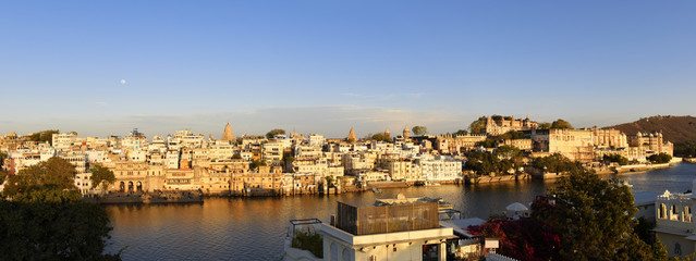 Wall Mural - beautiful panoramic view of Udaipur city in Rajastan, India with famous Pichola lake and historical buildings