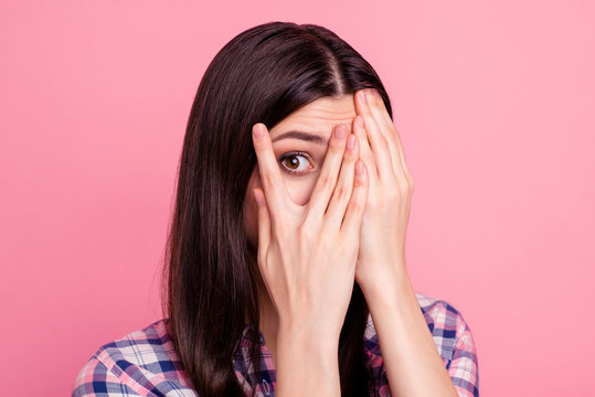 Close-up portrait of her she nice-looking attractive charming lovely confused worried puzzled straight-haired lady closing face palms isolated over pink pastel background