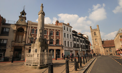 Market Square mit St. Laurence's Chrch in Reading