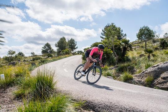 Rennradfahrer auf Mallorca am Anstieg zum Kloster von Ermita..Foto: Philipp Hympendahl