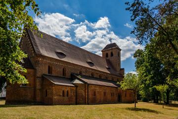 Die denkmalgeschützte katholische Kirche St. Nikolai aus dem 12. Jahrhundert zählt zu den ältesten Backsteinbauten in Brandenburg an der Havel Wall mural