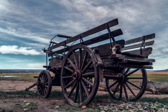 western wagon and a skull