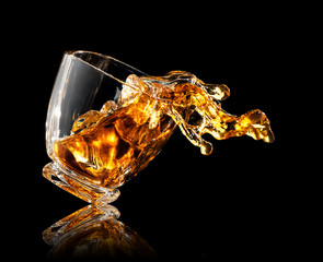 Printed roller blinds Alcohol splash of whiskey in glass