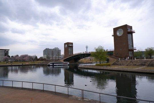 運河と公園