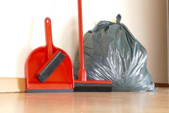 Haushaltsauflösungen und Entrümpelungen besenrein - swept clean - real estate cleaning - clean up - clearing out