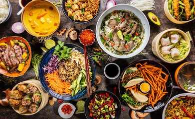 Poster de jardin Nourriture Top view composition of various Asian food in bowl