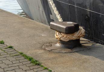 bollard and rope of a ship