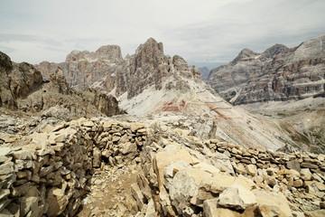 alte Kriegsstellung in den Dolomiten