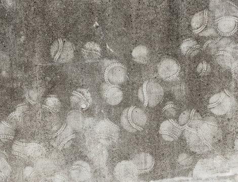 野球のボールの壁当ての跡