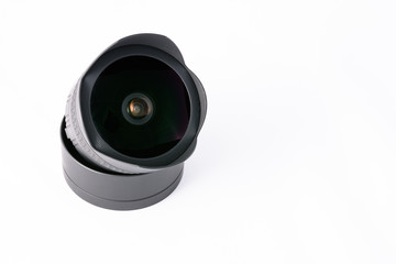 Objetivo de cámara sobre fondo blanco