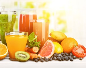 Poster de jardin Jus, Sirop Tasty fruits and juice with vitamins on background
