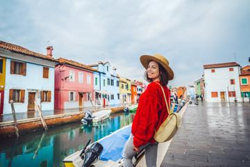 Fototapeta Smiling tourist traveling in Italy obraz