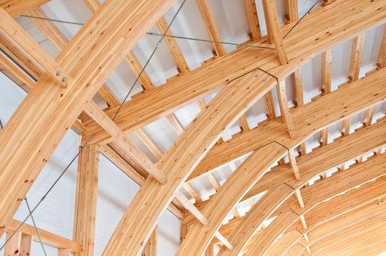 Roof construction of laminated veneer lumber. Building. Glued laminated timber. Building. Construction site